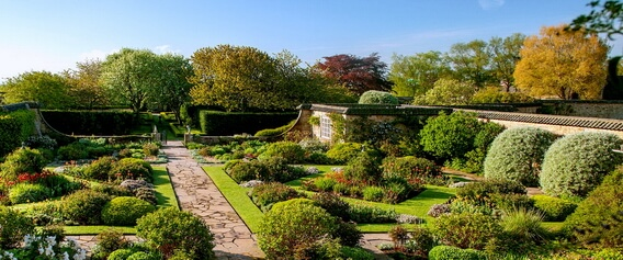As well as the gorgeous gardens to be explored while enjoying our Luxury Scotland properties, there is also the wonderful experience of savouring some of the best afternoon teas in these floral settings.
